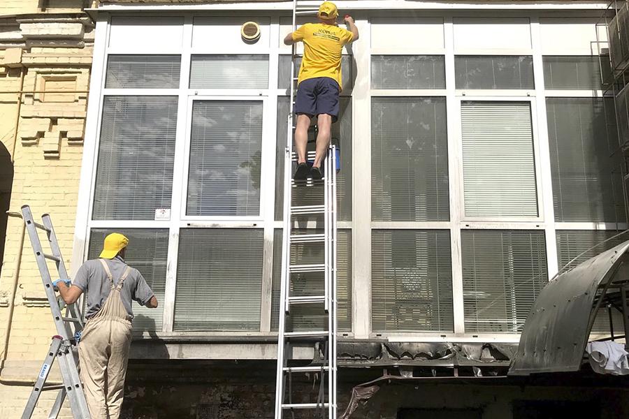 уборка балкона после пожара